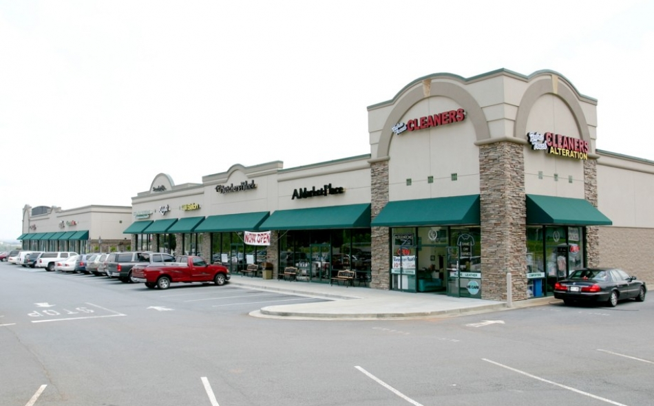 Eagle Pointe Retail Center
